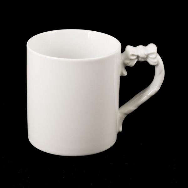 Mug mit Masche an Henkel